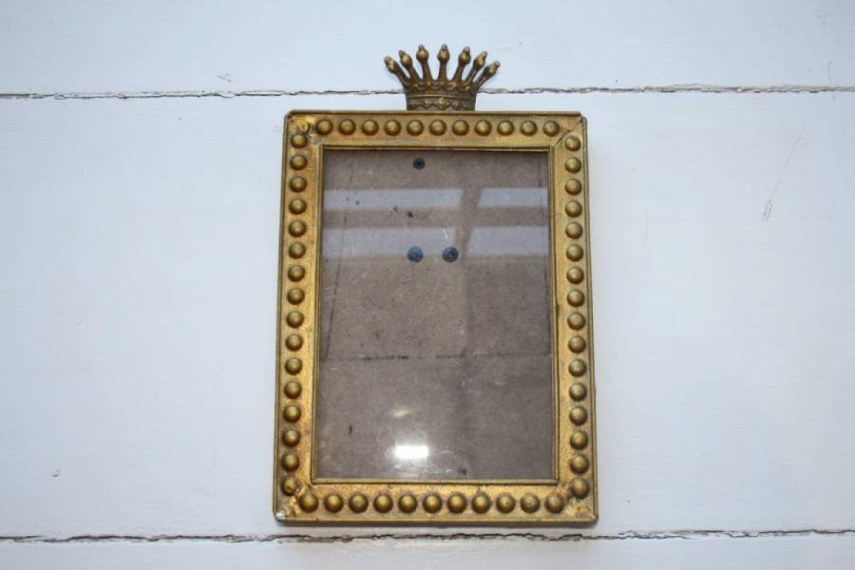 Crown photo frame