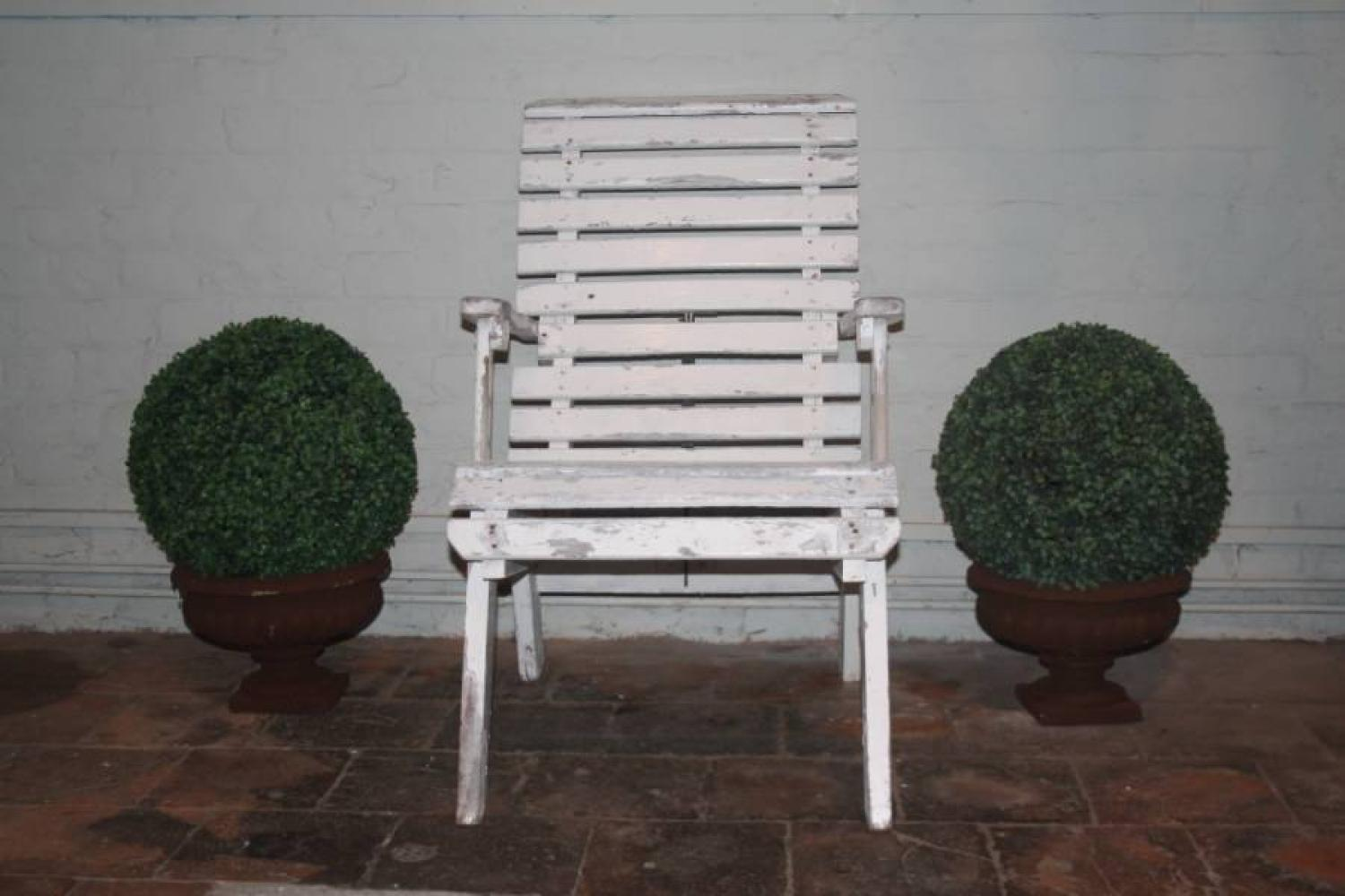 Wooden reclining slatted chair