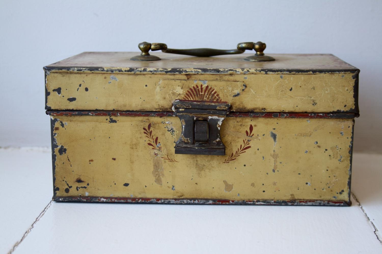Mid 19th Century Toleware Box
