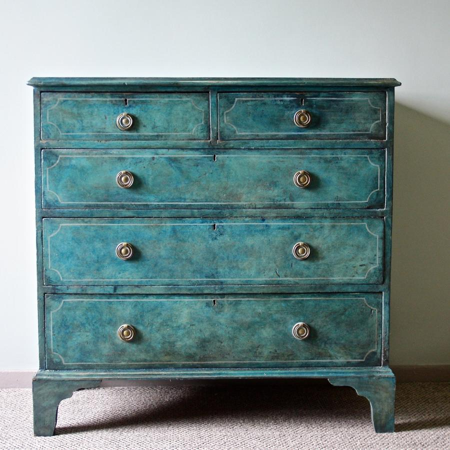 Georgian painted chest of drawers