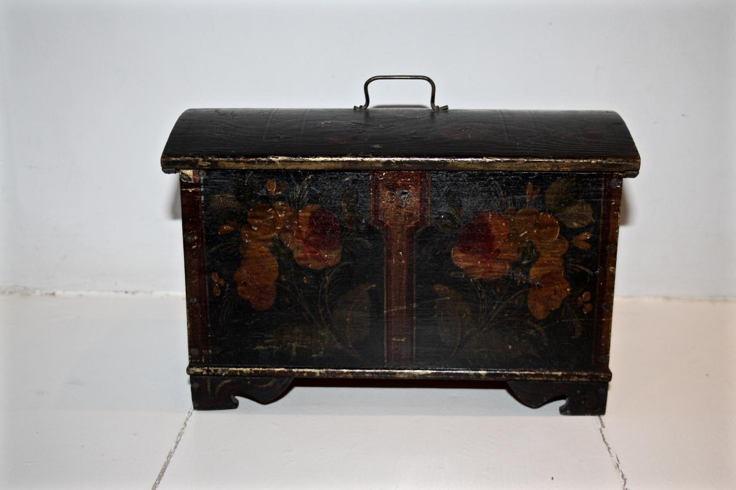 Domed box with floral decoration