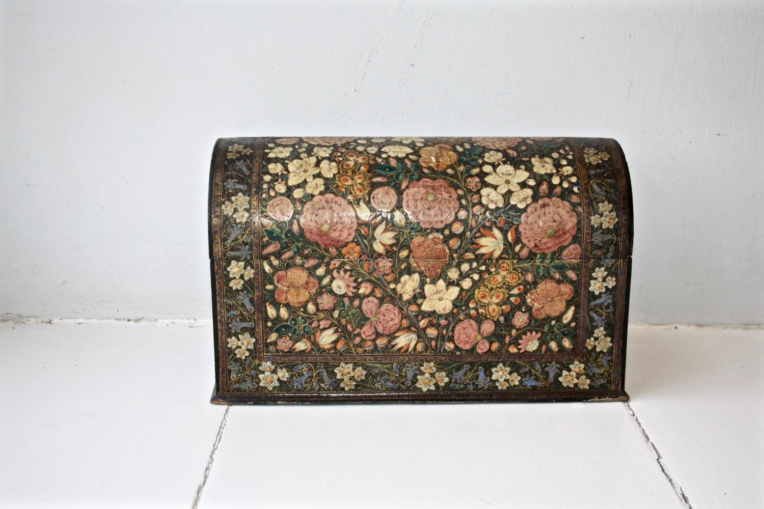 Floral domed box