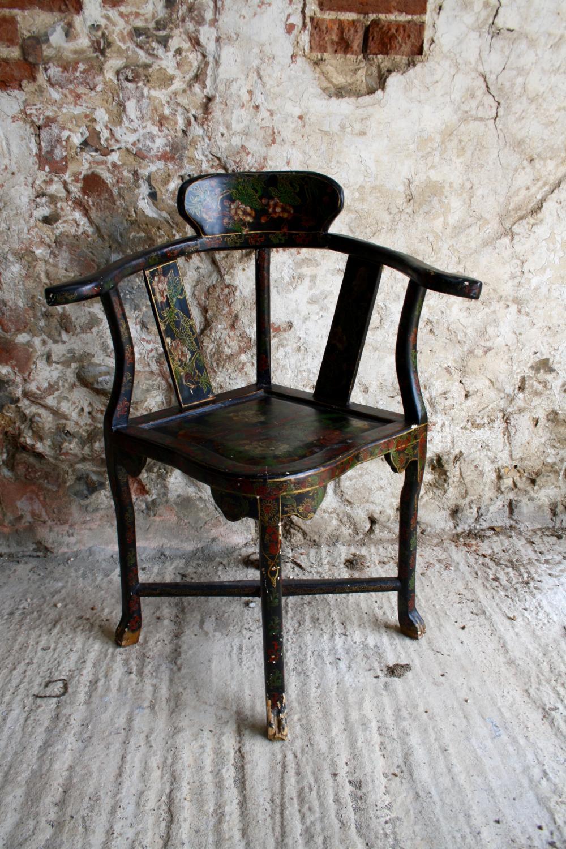 Japanned corner chair