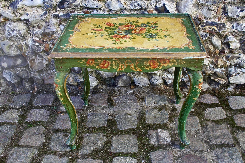 Italian floral table