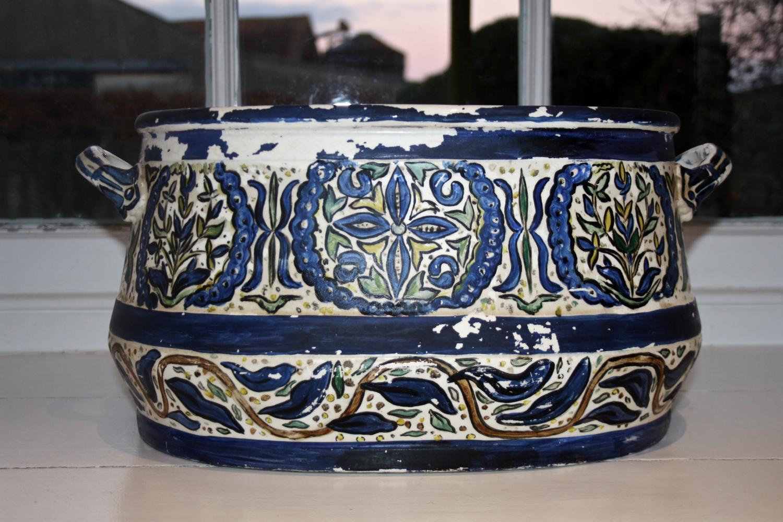 Blue/white china footbath or planter
