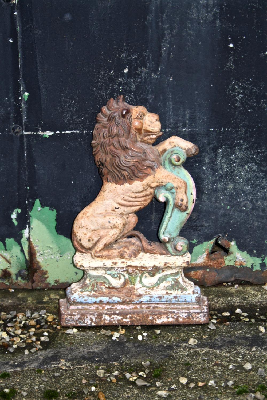 Victorian painted cast iron lion door stop