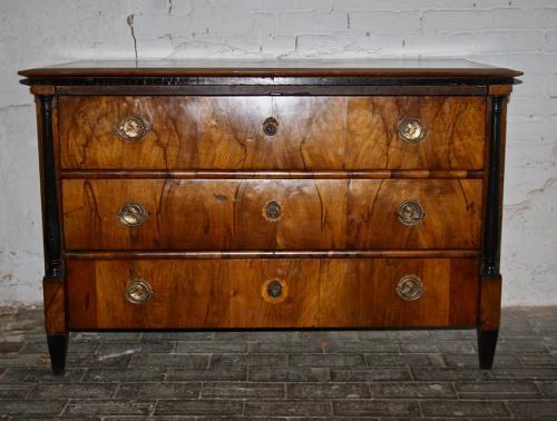 19th century walnut veneer chest of three drawers