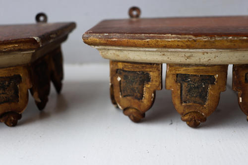 Pair of decorative wooden brackets