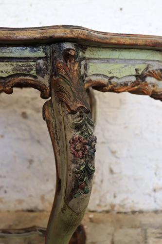 Italian handpainted centre table