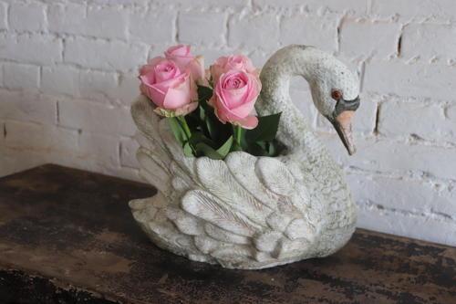 Composite stone swan planter
