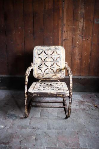 American cantilever garden chair