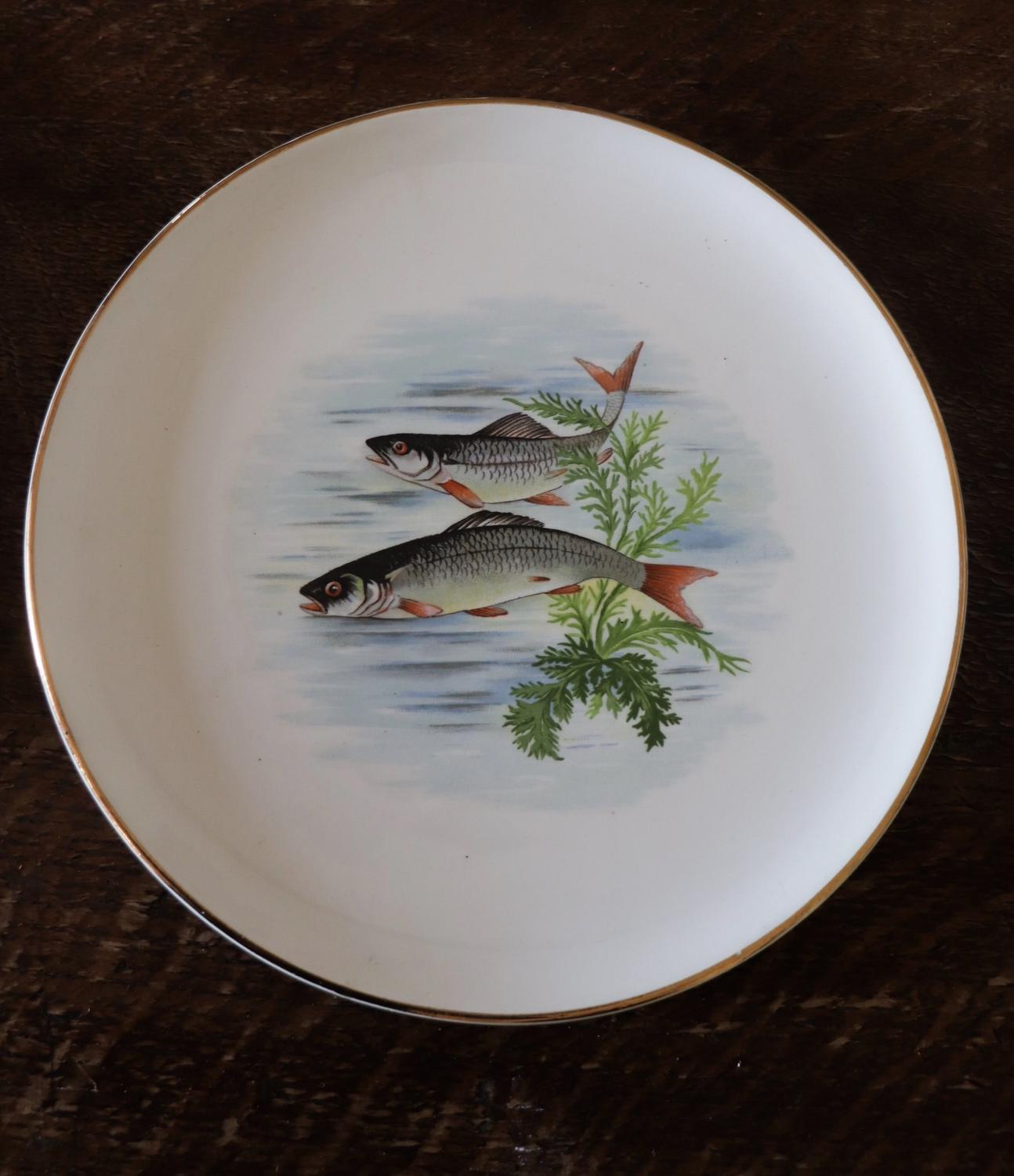 Set of 8 Gaen Paris fish plates and a platter