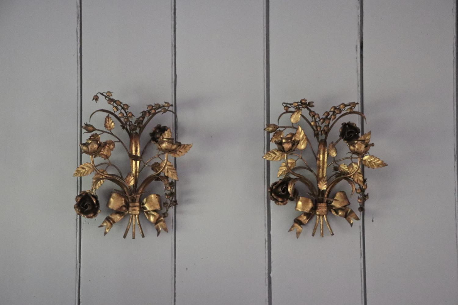Pair of gilt 1950s Italian wall lights