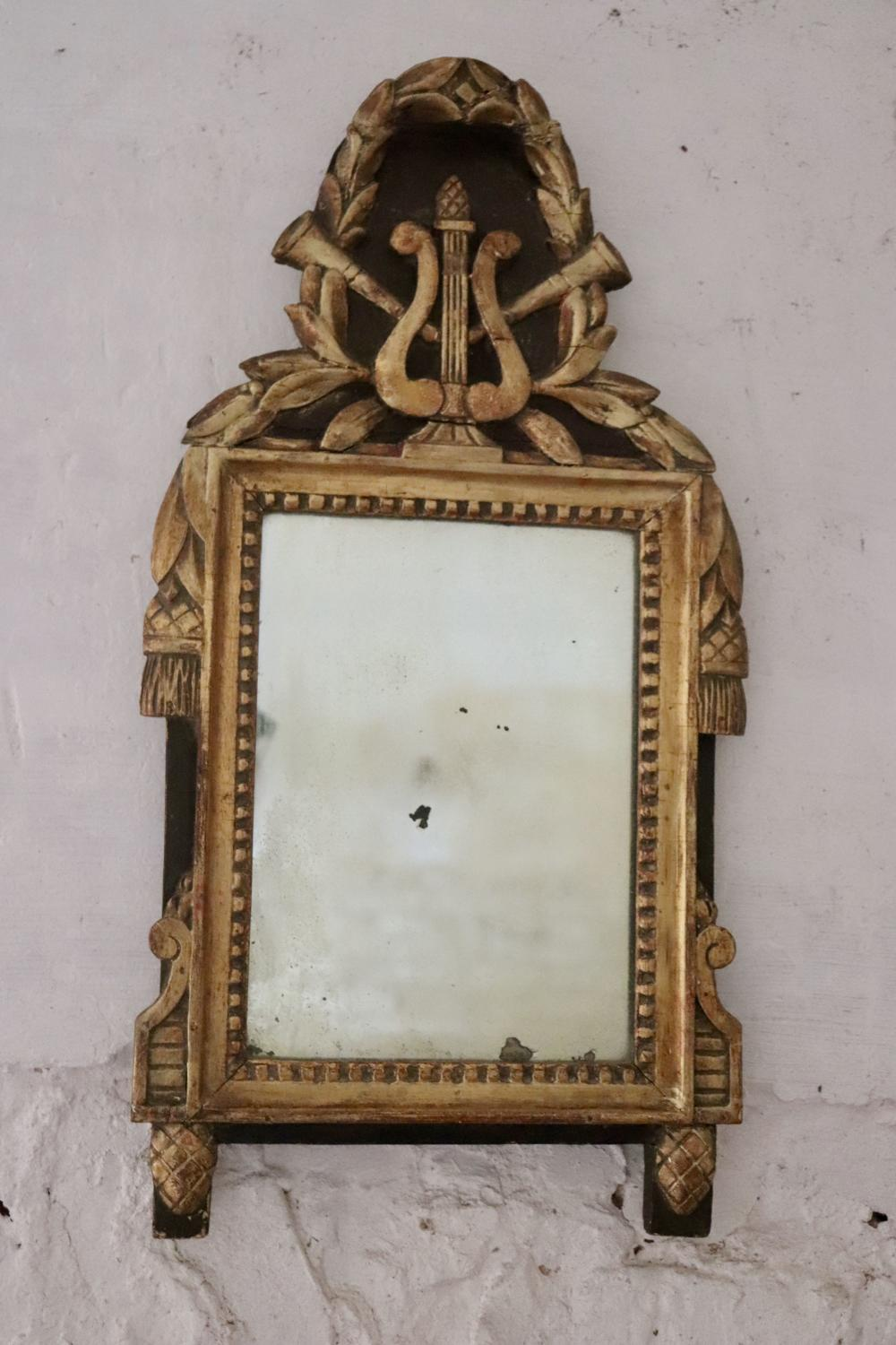 Early 19th century Italian giltwood and painted mirror
