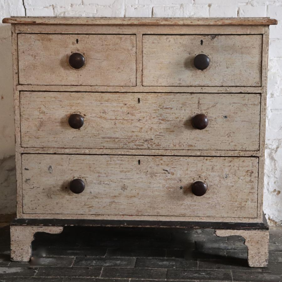 Georgian dry scraped chest of four drawers