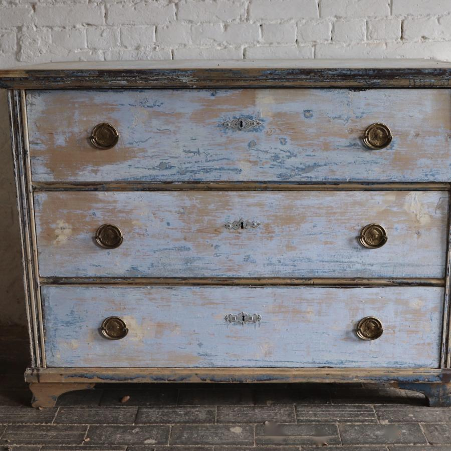 19th century dry scraped chest of three drawers