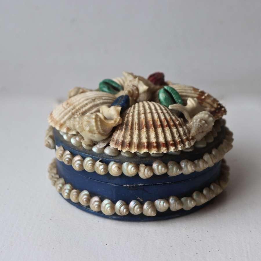 Early 20th century shell box