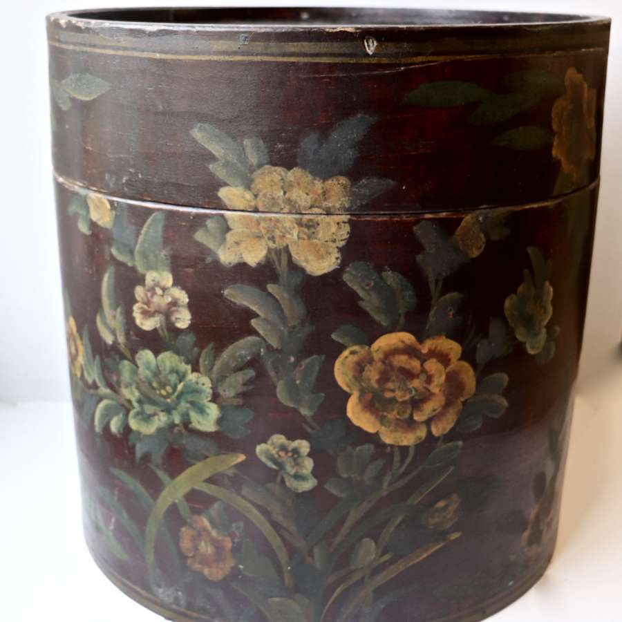 Early 20th century florally decorated hat box