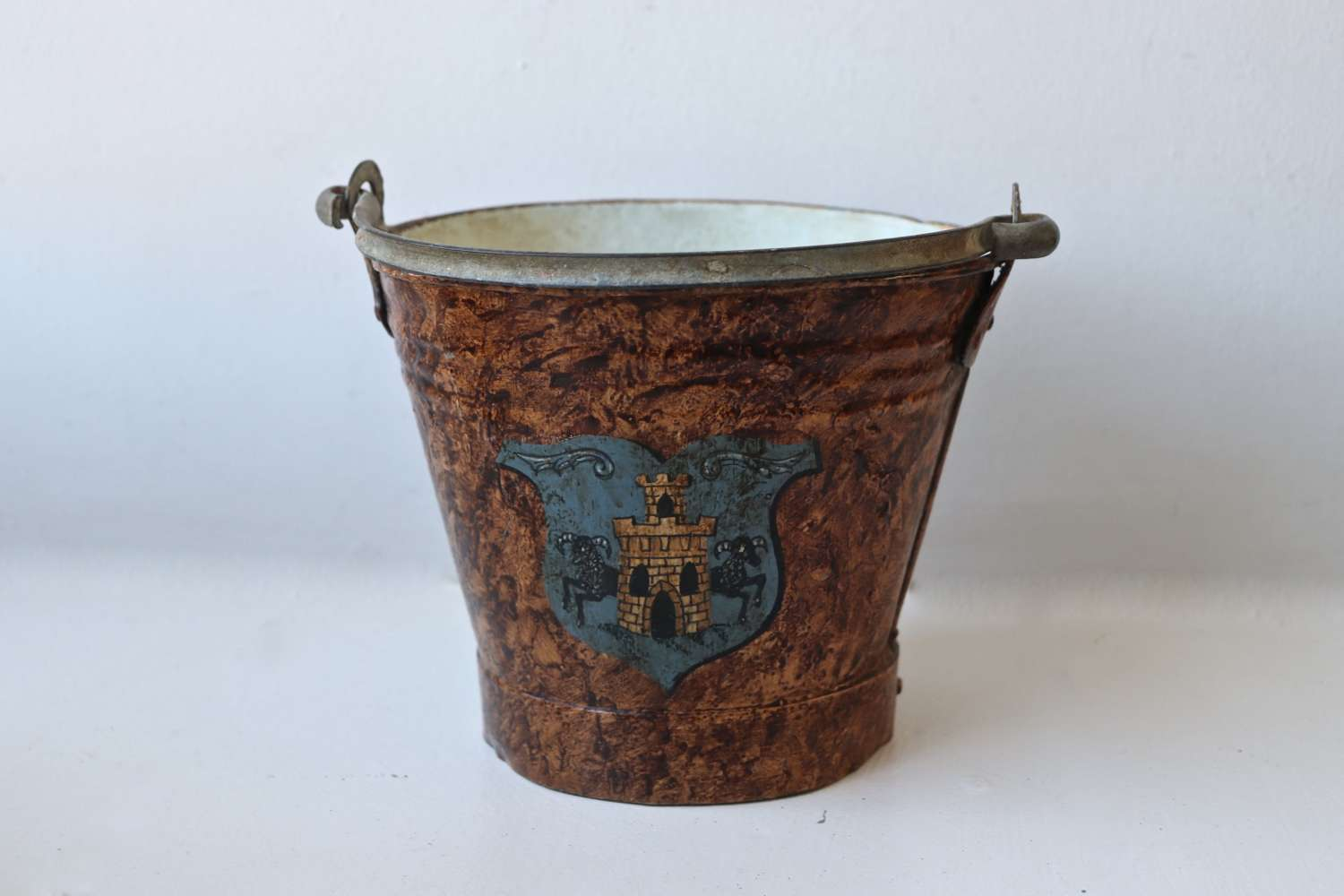 Late 19th century toleware bucket with crest