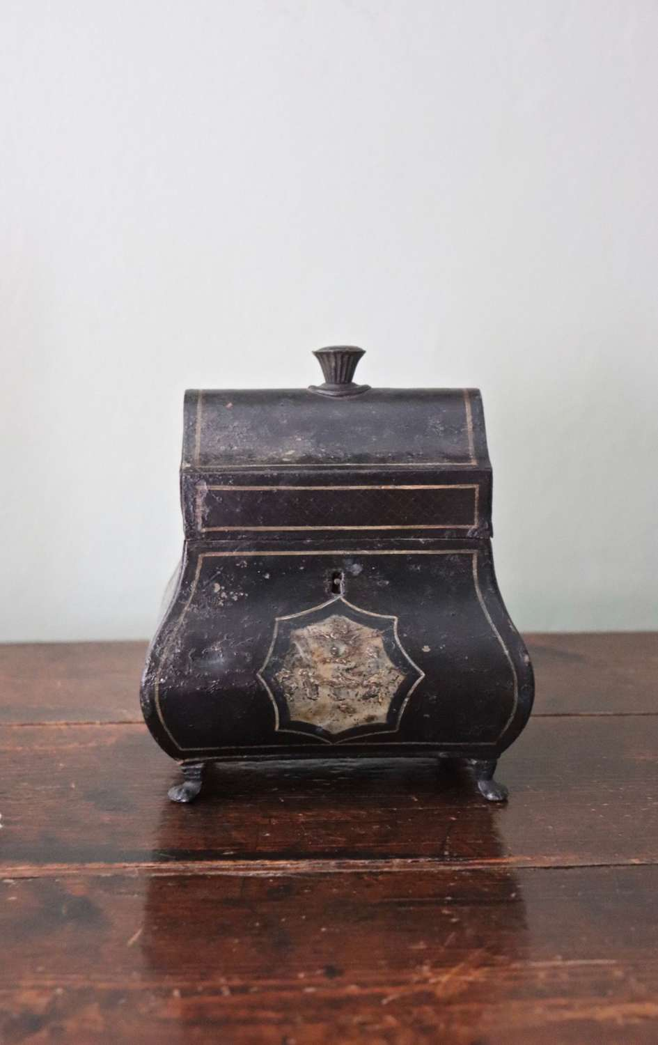 Late 19th century toleware tea caddy