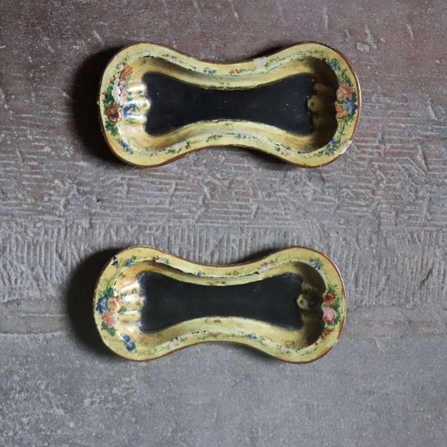 Pair of early papier maché dishes