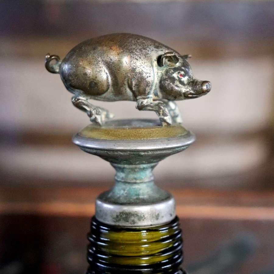 1920s to 1930s pig bottlestop