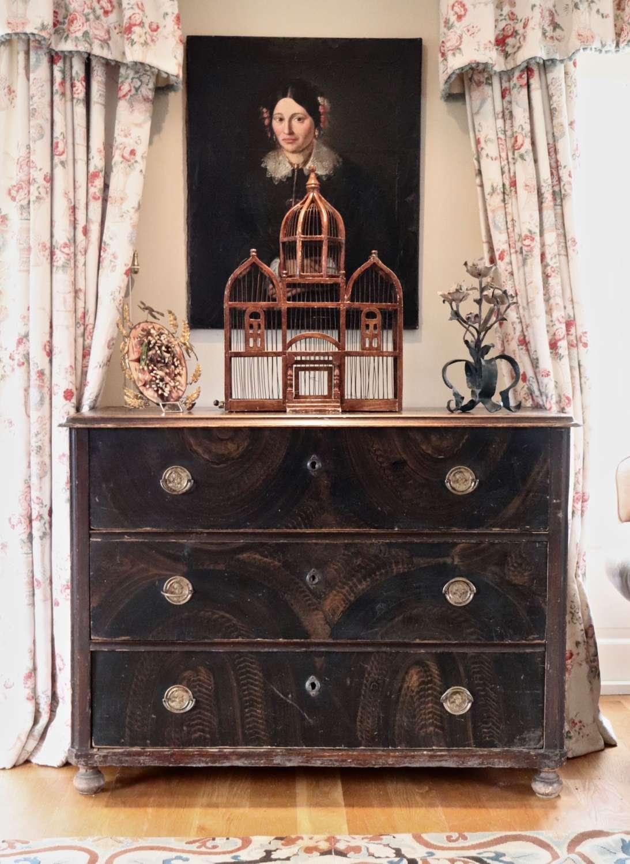 Pine 19th century chest of three drawers