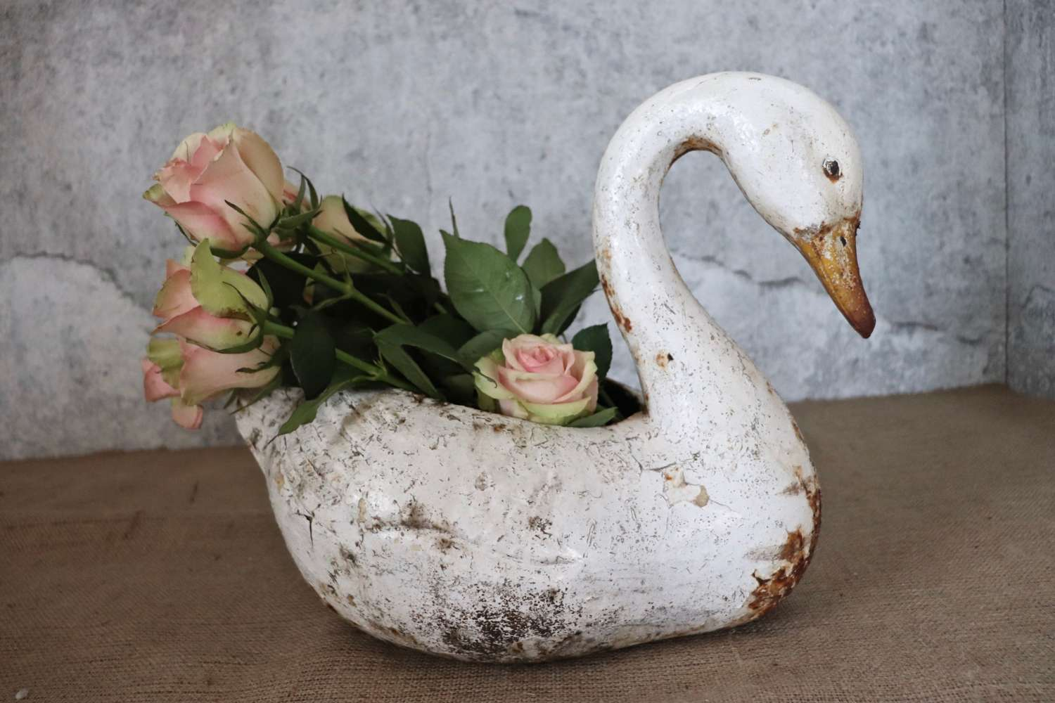 Late 19th/early 20th century cast iron swan jardinière
