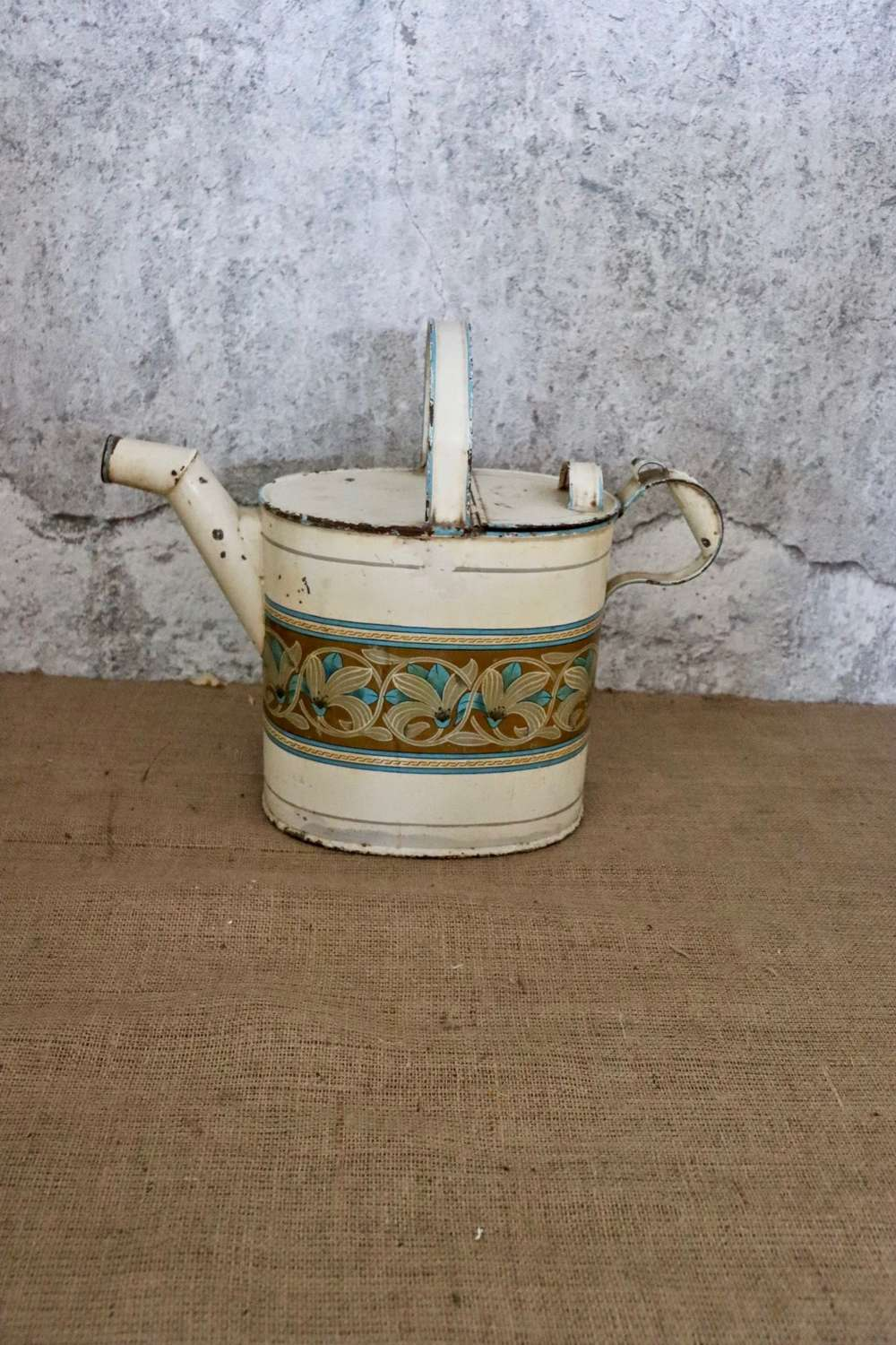 Late 19th/early 20th century toleware hot water can
