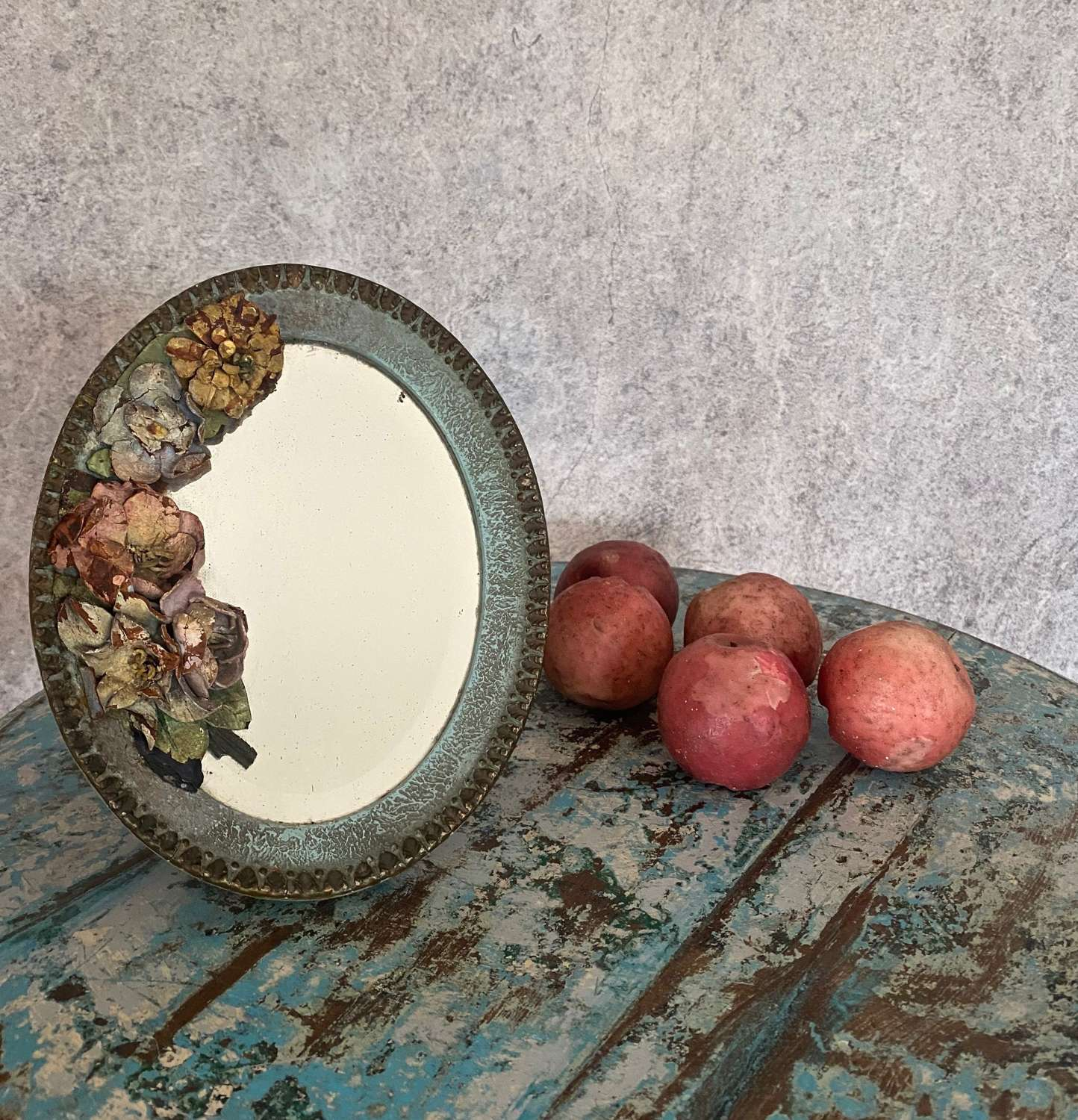 Beautiful dressing table mirror with leather flowers