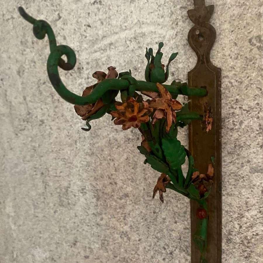 Metal floral wall bracket