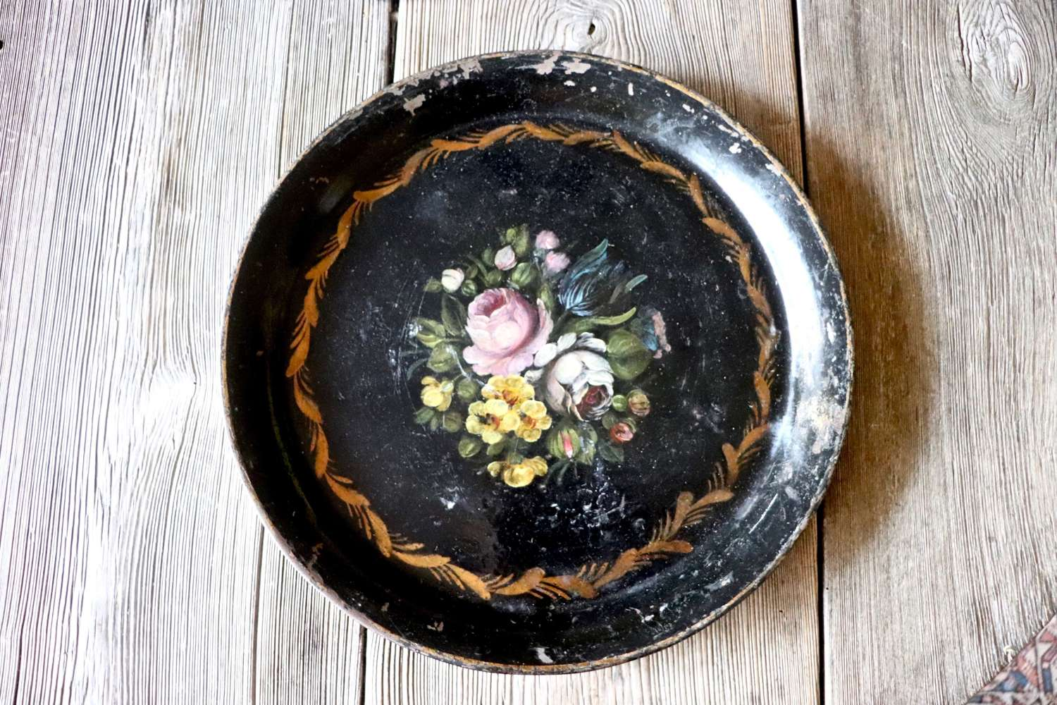 Early 20th century toleware tray
